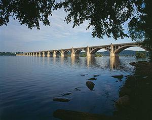 300px-Columbia-Wrightsville_Bridge